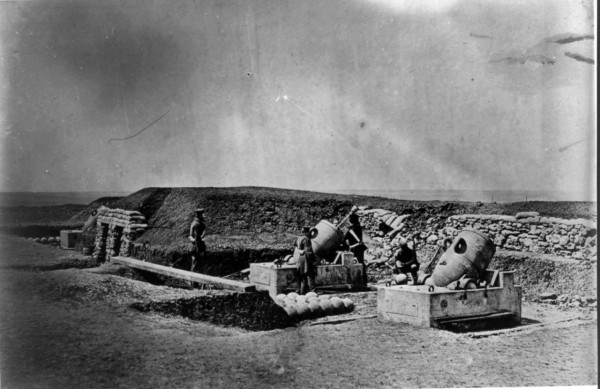 Минометная батарея (Mortar batteries in front of Picquet house Light Division)